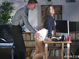 Susy Celebration spreads her legs for a friend's hard lock overhead the table