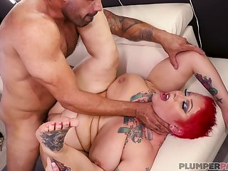 Chubby unannounced haired MILF with tattoos porn video